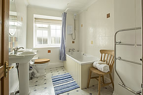 Round House - bathroom