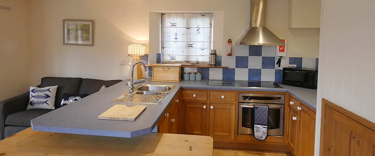 Primrose Cottage - a delightful holiday cottage at Tolraggott Farm, St Endellion, Port Isaac, Cornwall, sleeps up to 4