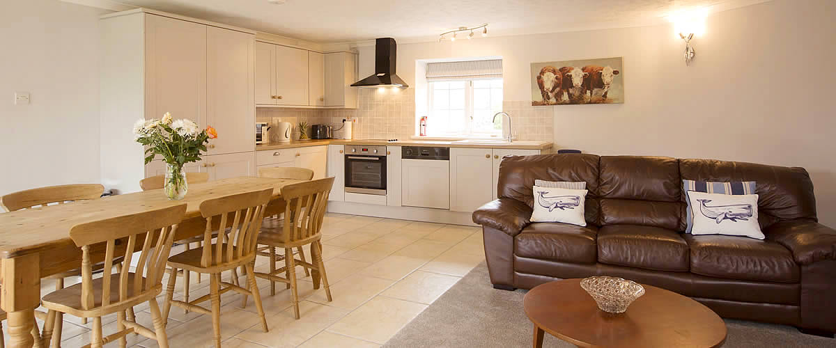 Round House Cottage - a luxury self catering holiday cottage located at Dinham Farm, near beaches at Rock, Polzeath and Port Isaac
